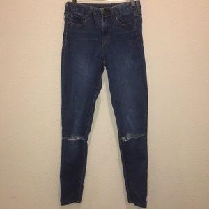Woman's blue jean s